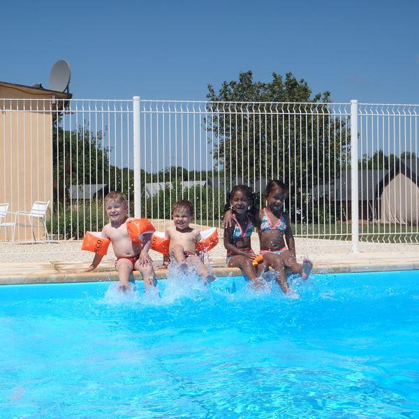 vacances-camping-piscine-04