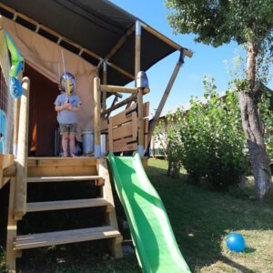 Tente safari lodge camping Place de la Famille