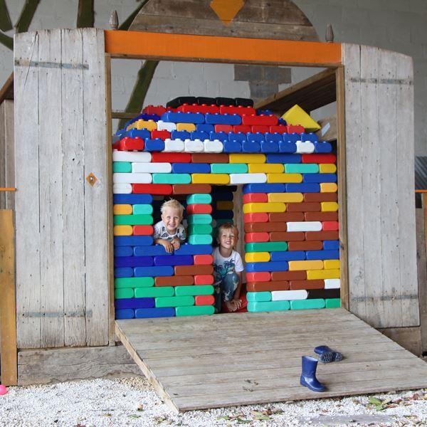 Lego géant camping Place de la Famille