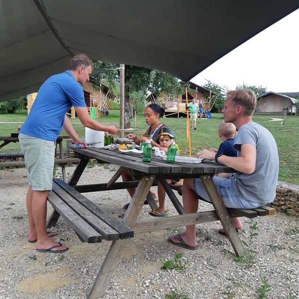 Pique-Nique camping Place de la Famille