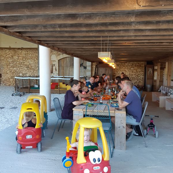 Table d'hotes camping Place de la Famille